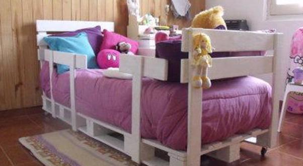 Kinderpalettenbett