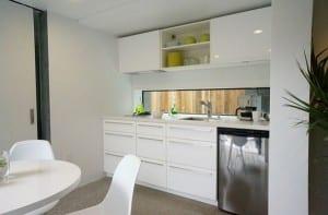 Minimalistischen Weißen Küche