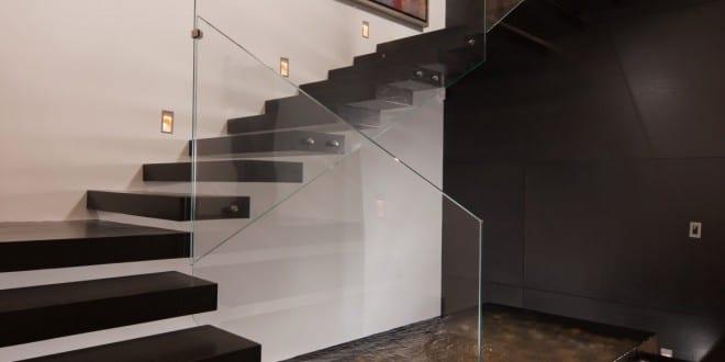 Treppe mit Wasserbecken
