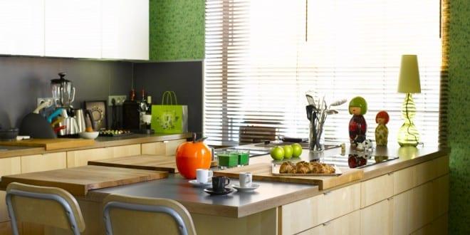 kleine Küche aus Holz 4