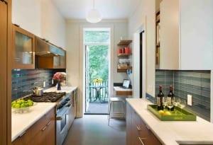 kleine Küche aus Holz 5