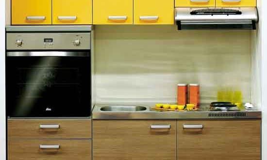 kleine Küche in Nische 4