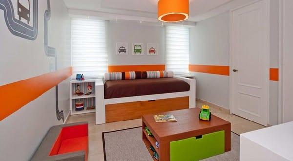 minimalistische Einrichtung des Kinderzimmers mit Spielecke