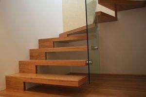 moderne auskragende Holz-Innentreppe von Arden Stairs