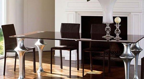 moderner-Esstisch-mit-Silber