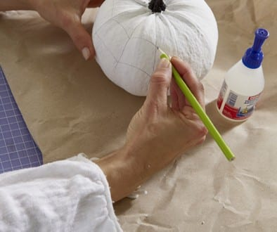 selbstdekorierter Halloween Kürbis