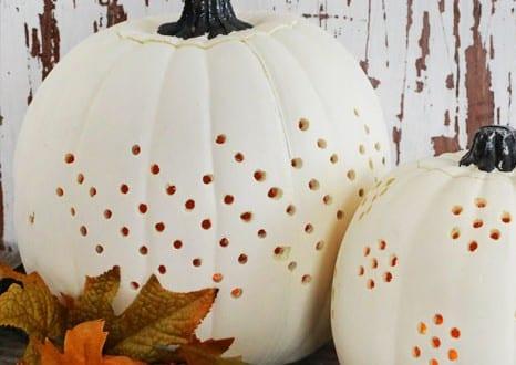 weiße Halloween Kürbisse