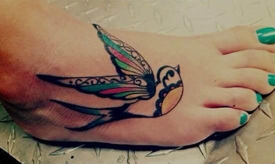 farbiges Vogel-tattoo