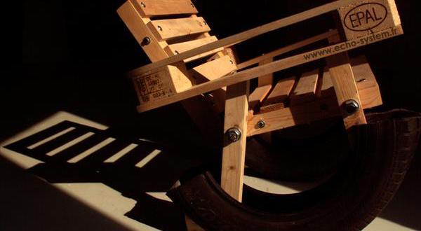 Kreative Palettenmöbel – selbstgebaute Stühle und Sessel aus Europaletten
