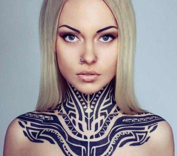 Tribal Tattooidenn für hals-Frauen tattooidee