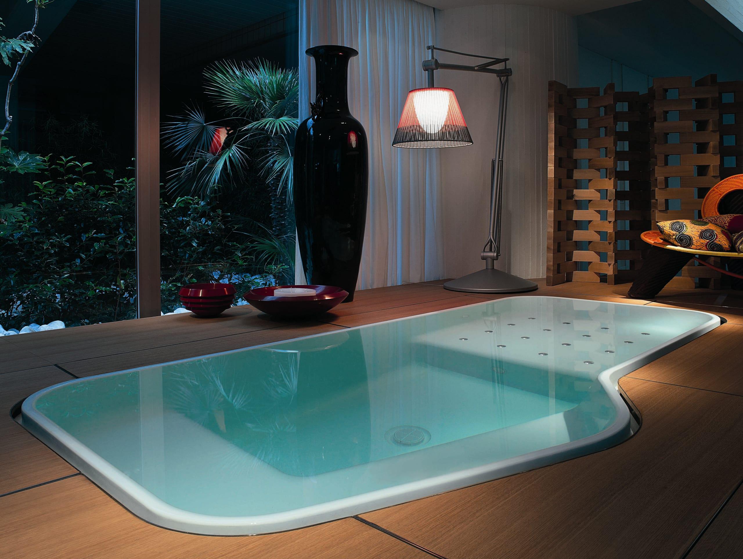 Badezimmer mit pool von kos freshouse - Gartengestaltungsideen mit pool ...