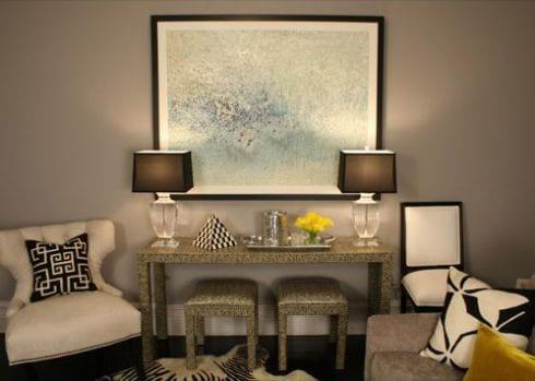 Wandfarbe Taupe   Weiße Lederstühle  Wohnzimmer Deko Idee
