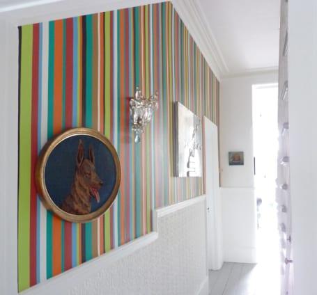 farbgestaltung flur mit bunten streifen freshouse. Black Bedroom Furniture Sets. Home Design Ideas