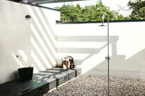 dusche au enbereich mit kiesboden freshouse. Black Bedroom Furniture Sets. Home Design Ideas