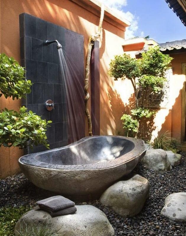 gartengestaltung mit outdoor dusche freshouse. Black Bedroom Furniture Sets. Home Design Ideas
