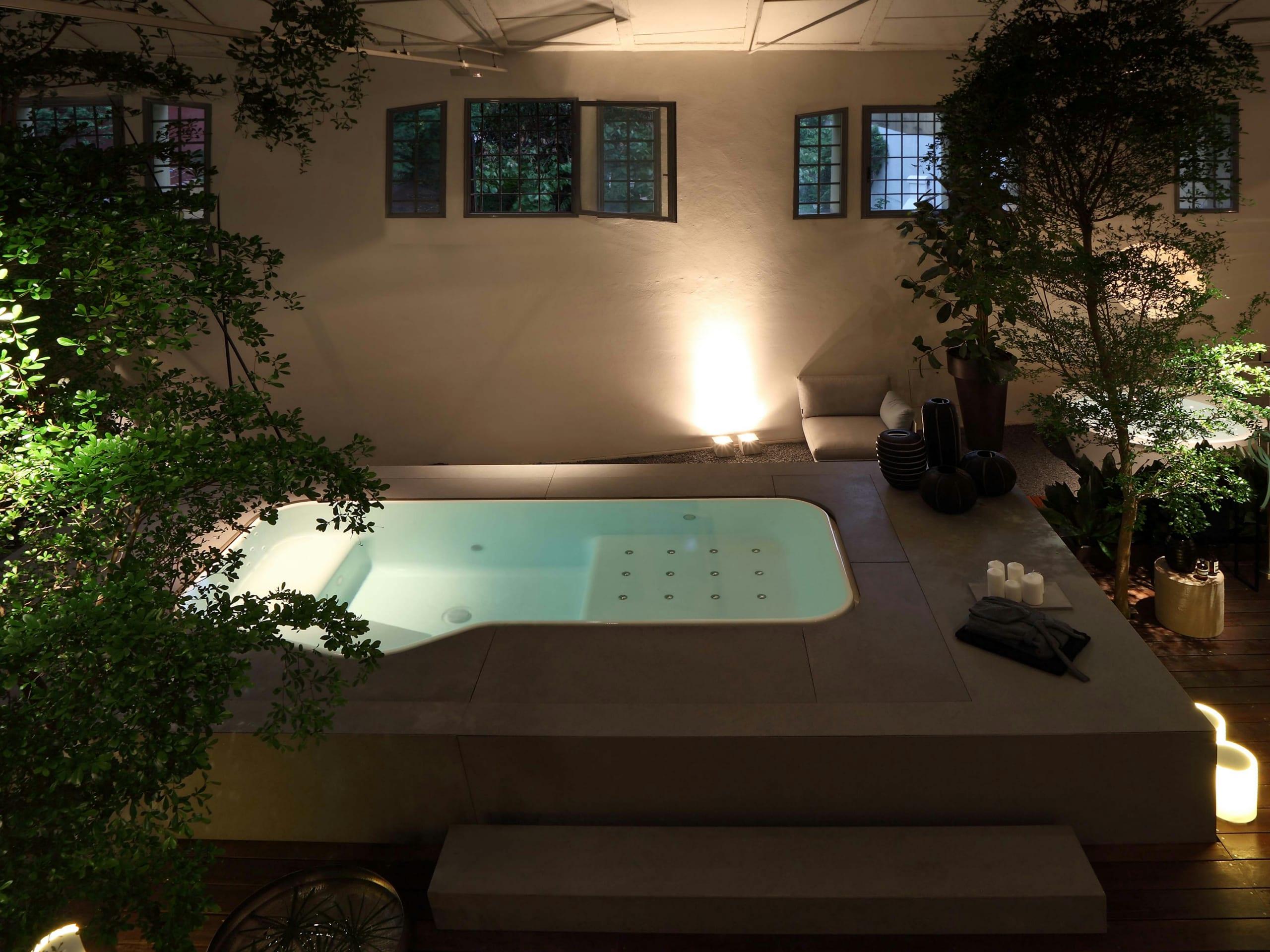 Kleiner Whirlpool Modernes Badezimmer