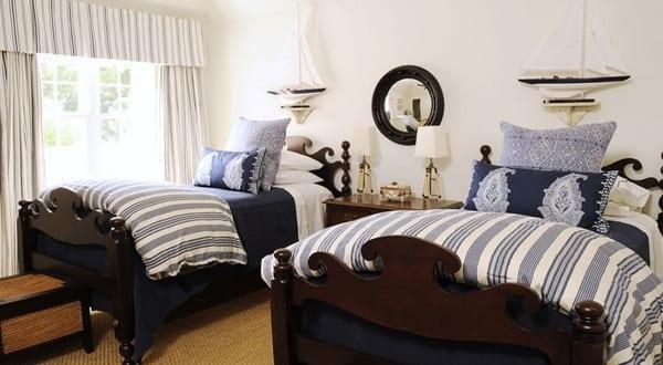 maritimes schlafzimmer mit segelboot wand deko - fresHouse