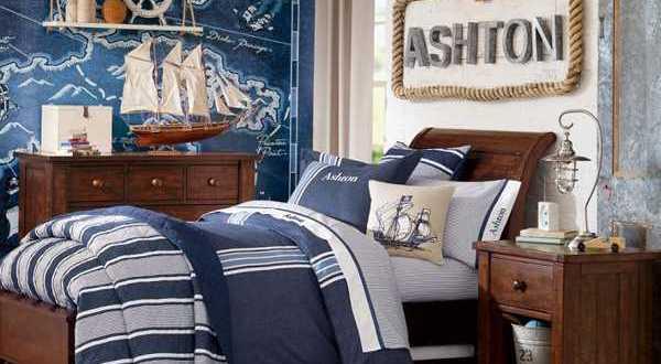 maritimes schlafzimmer mit wandgestaltung schatzkarte. Black Bedroom Furniture Sets. Home Design Ideas