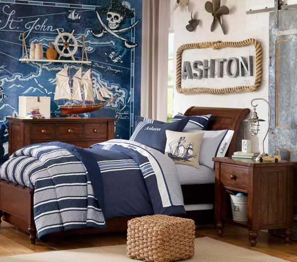 maritimes schlafzimmer mit wandgestaltung schatzkarte. Black Bedroom Furniture Sets. Home Design Ideas