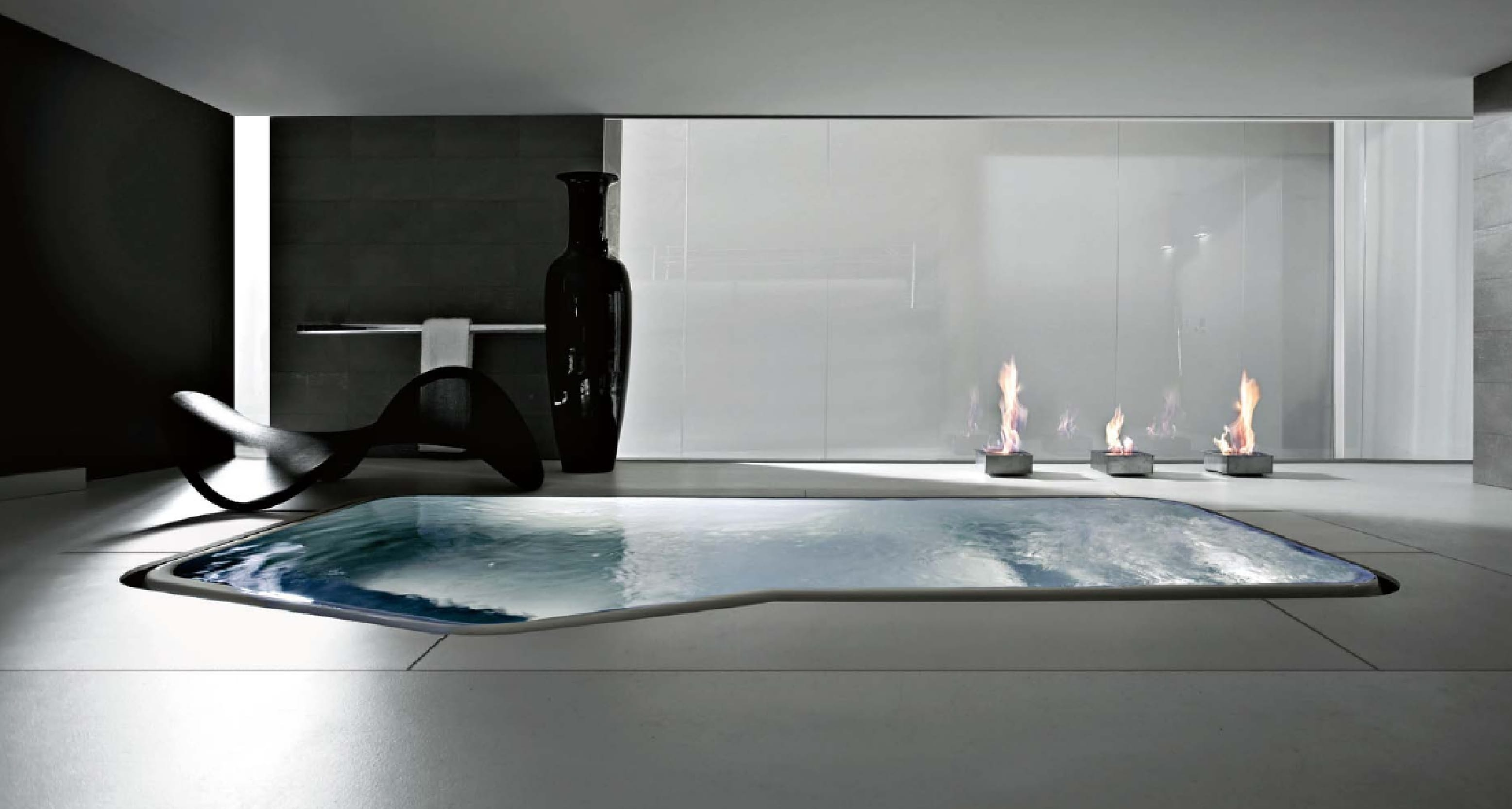Minimalistisches Badezimmer  Whirlpool
