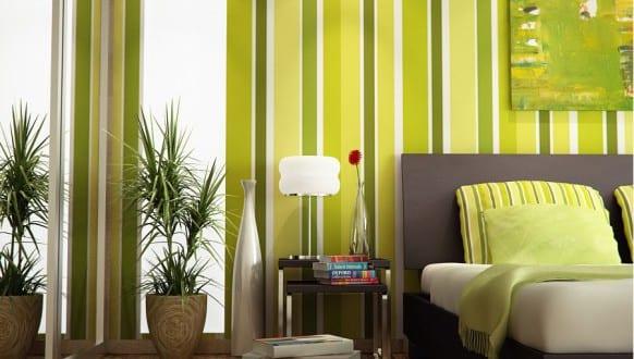 wandgestaltung gr n gr n im schlafzimmer freshouse. Black Bedroom Furniture Sets. Home Design Ideas