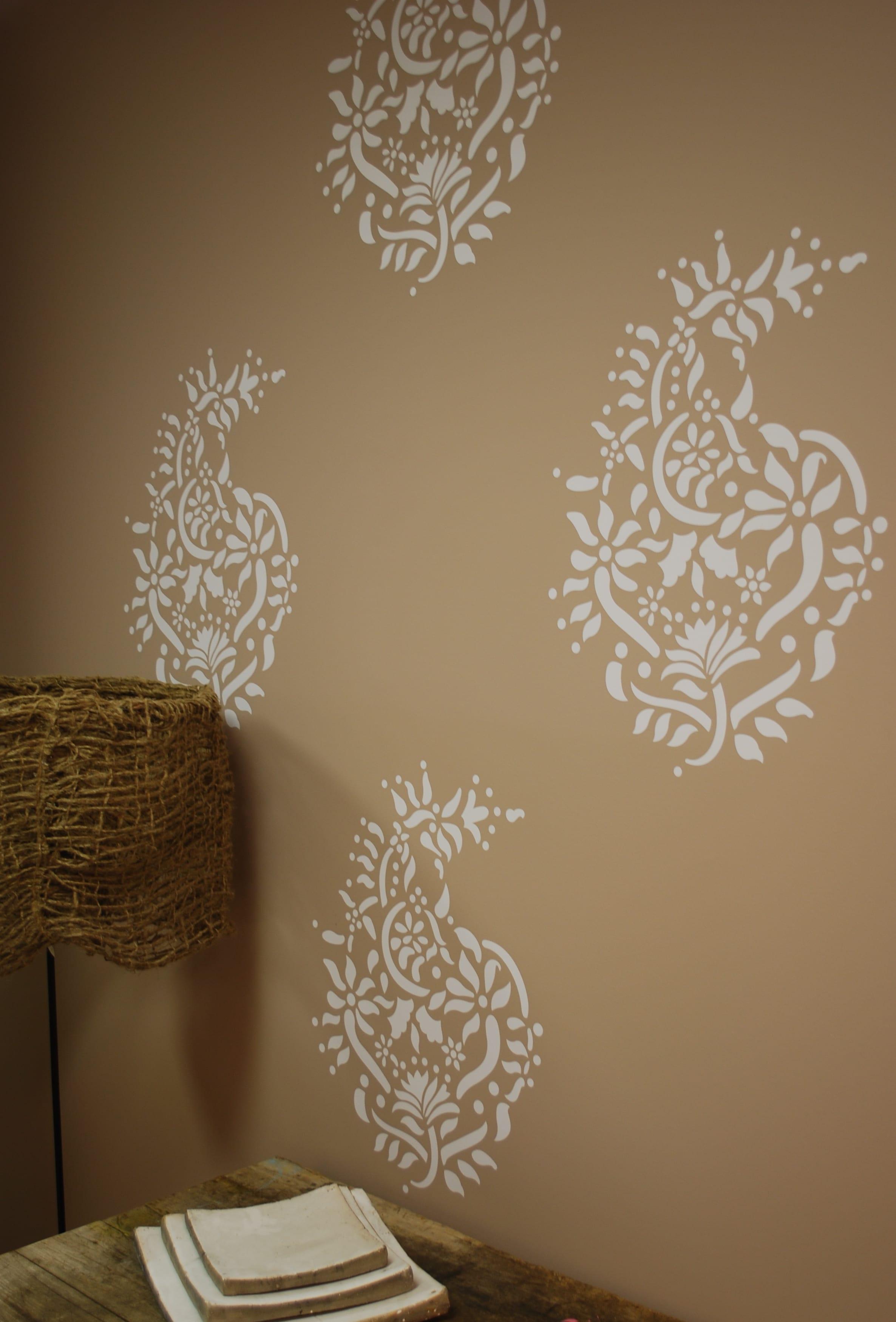 wandtattoo blumen - schlafzimmer wand deko idee - fresHouse