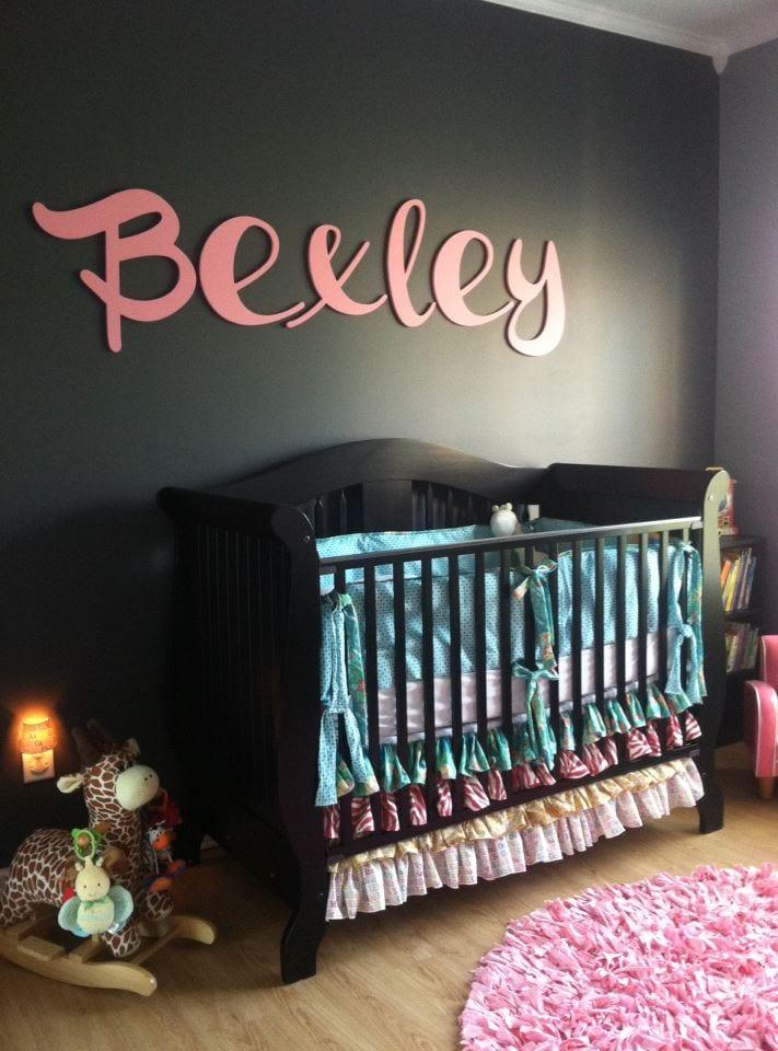 Babyzimmer Gestalten Mit Schwarzer Wand