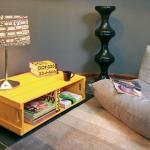 wohnzimmer inspirationen mit DIY couchtisch gelb aus paletten