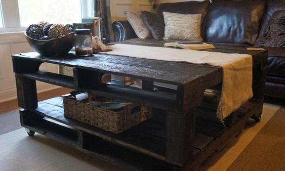 couchtisch selber bauen rolltisch aus paletten freshouse. Black Bedroom Furniture Sets. Home Design Ideas
