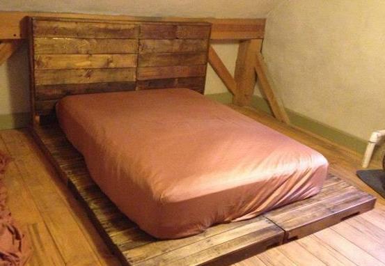 einfaches bett aus eiropaletten freshouse. Black Bedroom Furniture Sets. Home Design Ideas