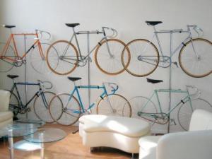 fahrrad im wohnzimmer via BicyclingNatives
