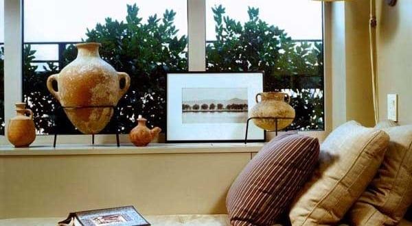 fensterbank dekorieren mit antik vasen