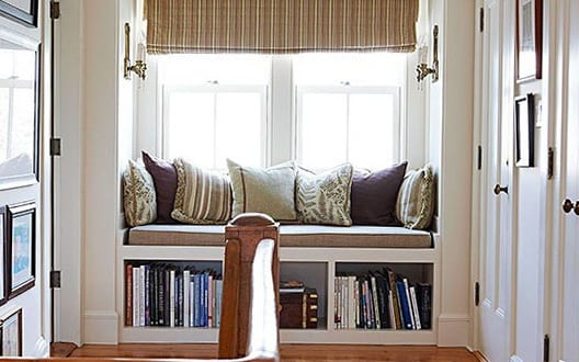 fensterbank dekorieren mit b cherregal freshouse. Black Bedroom Furniture Sets. Home Design Ideas