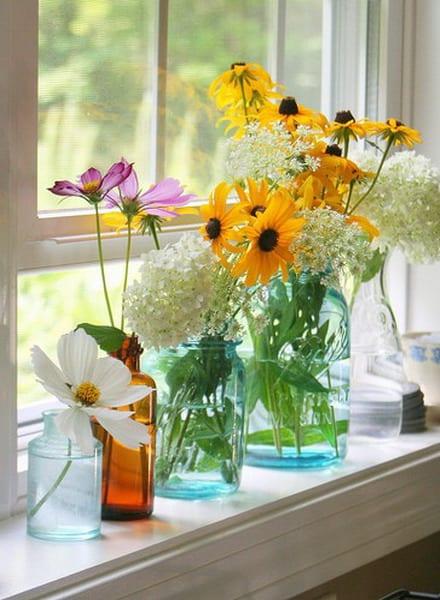 Fensterbank dekorieren mit blumen freshouse - Fensterba nke dekorieren ...