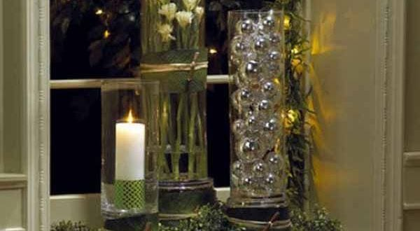 fensterbank dekorieren mit glasvasen