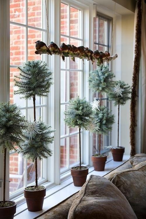 Fensterbank dekorieren winterdeko idee freshouse - Hochzeit schlafzimmer dekorieren ...