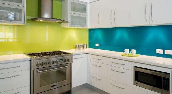 küche wandfarbe grün und blau
