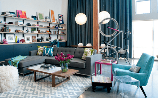 mein wohnzimmer – fahrrad im wohnzimmer aufhängen von  Daleet Spector Design