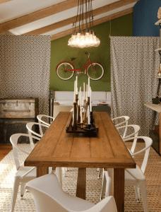 mein wohnzimmer und mein fahrrad- Mackenzie Collier Interiors