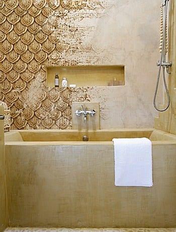 Modernes badezimmer wandgestaltung mustertapete freshouse - Badezimmer wandgestaltung ...