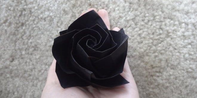 Papierfaltkunst – Origami Rose