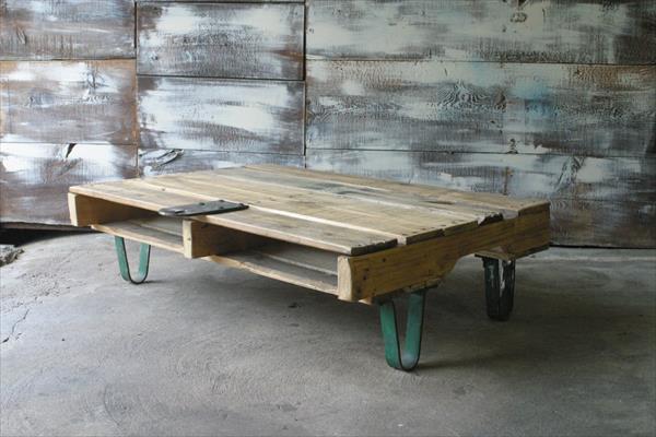 rustikaler couchtisch selber bauen freshouse. Black Bedroom Furniture Sets. Home Design Ideas