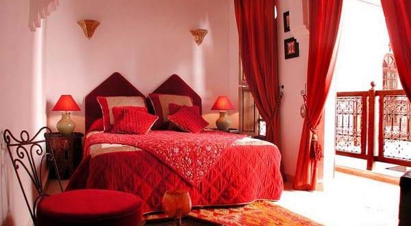 schlafzimmer rot mit gardinen rot   fresHouse
