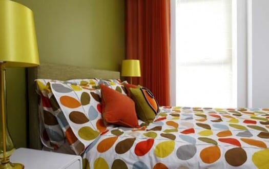 schlafzimmer wandfarbe – farbgestaltung schlafzimmer grün und orange