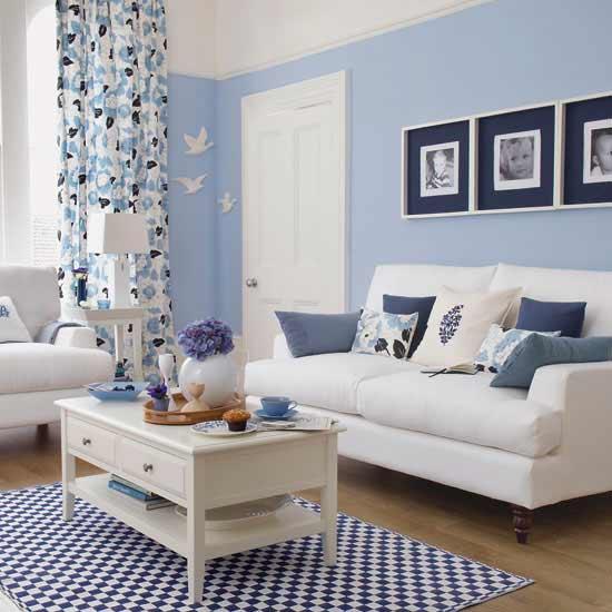 https://cdn.freshouse.de/uploads/2015/01/wohnzimmer-blau-zimmer-streichen-ideen.jpg