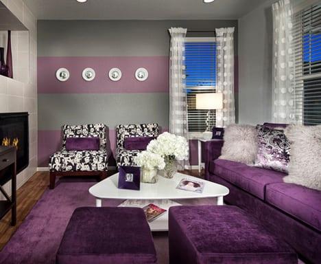 Wohnzimmer Lila Modernes Interior Von Trio Environments