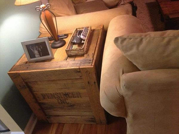 beistelltisch aus europaletten freshouse. Black Bedroom Furniture Sets. Home Design Ideas