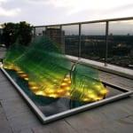 terrasse ideen mit flachglas skulptur-ldachterrasse mit teichbecken und beleuchteter glasskulptur
