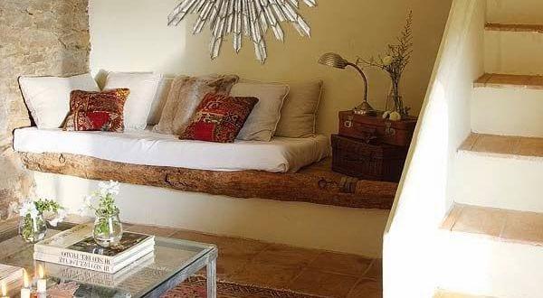 einrichtungsideen kleines wohnzimmer steinwand und sitzecke ...