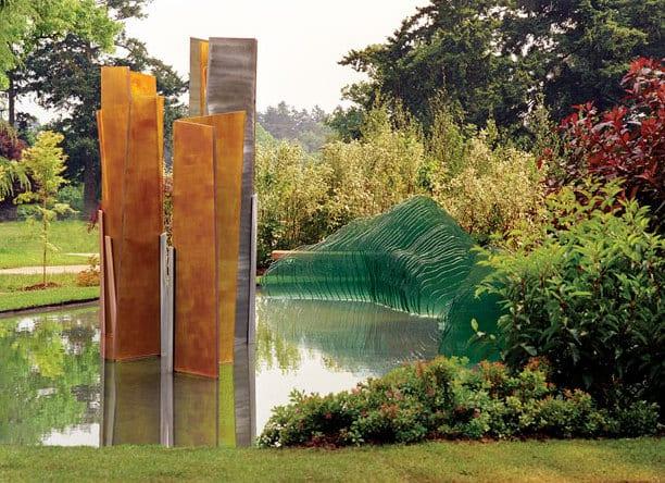 Glasskulptur Aus Flachglas Für Moderne Gartengestaltung